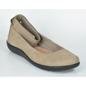 Clark  Medora Nina Nubuck Loafers